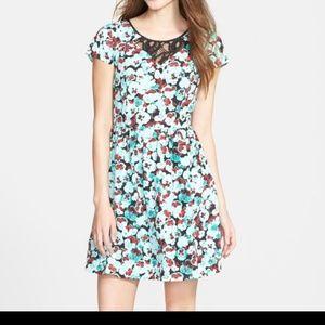 EUC Kensie Floral Dress